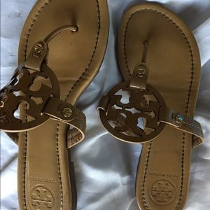 Tory Burch patent leather Sandals size 7